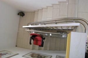 Bilder Treppenlifte an der Innenseite der Treppe