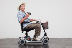 Elektrofahrzeug für Senioren, das im Kofferraum transportiert werden kann