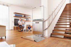 Plattformlift für schmale Treppen