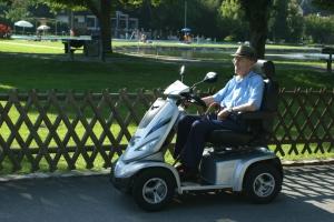 Elektrofahrzeug für Senioren GC-9, fahrbar ohne Führerschein, keine Zulassung notwendig, 10 km/h