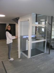 Homelift Kalea A4 ohne Unterfahrt, ohne Überfahrt, Türe öffnet manuell oder automatisch