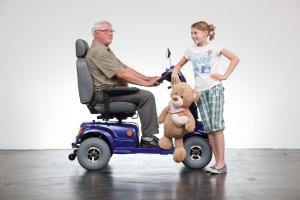 Elektrofahrzeug für Senioren GC-8, ein Kraftpaket, ideal für Menschen, die in Hanglage wohnen