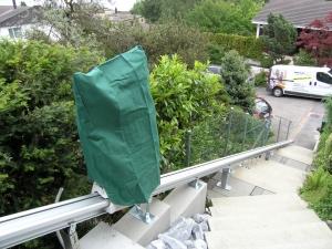 Treppenlift aussen als wetterfest Ausführung mit Abdeckhaube