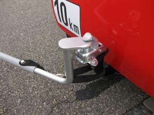 Das Elektromobil für Senioren GC solo ist auf Wunsch auch mit Anhängerkupplung lieferbar