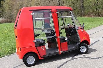 Kraftvolles Zweisitzer Elektromobil GC duett, bewältigt mühelos Unebenheiten und Steigungen