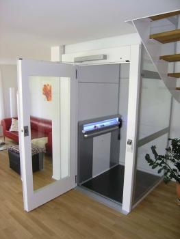 Kostengünstige Liftlösung für den Neubau eines Einfamilienhauses in Wünnewil