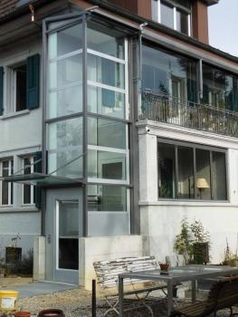Liftanbau an Einfamilienhaus in Biberist für altersgerechten Wohnzugang