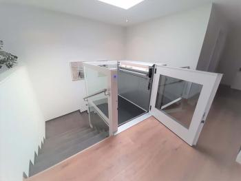 Der Zugang zum OG ist barrierefrei und erfolgte ohne Anpassung des Unterlagsbodens.